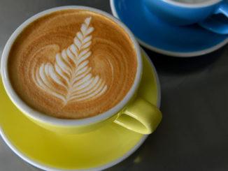 每年的9月29日是全美咖啡日(National Coffee Day),很多连锁咖啡店提供优惠或免费咖啡。(Getty Images)