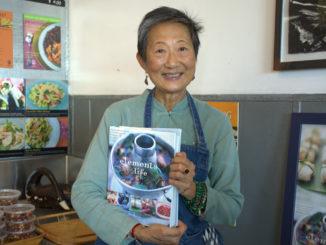 圣地亚哥第一家泰国餐馆的女主人,是华裔的于素梅(Su-Mei Yu)。(图/杨婕)
