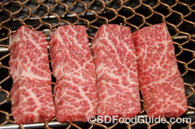 356韩国烤肉(356 Korean BBQ)提供USDA Prime级别的优质牛肉。(图/李旭生)