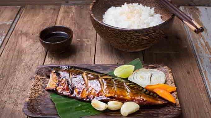 冲绳饮食也注重每周应吃3次鱼,并多选用有丰富DHA、EPA鱼类。(fotolia)