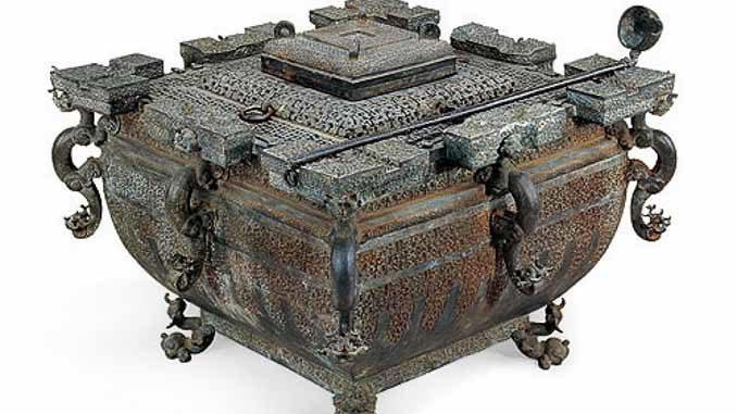 人类历史上最古老的冰箱-战国时期的曾侯乙铜冰鉴。