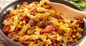 煮意大利面时,将酱料放入锅中,直接调味。